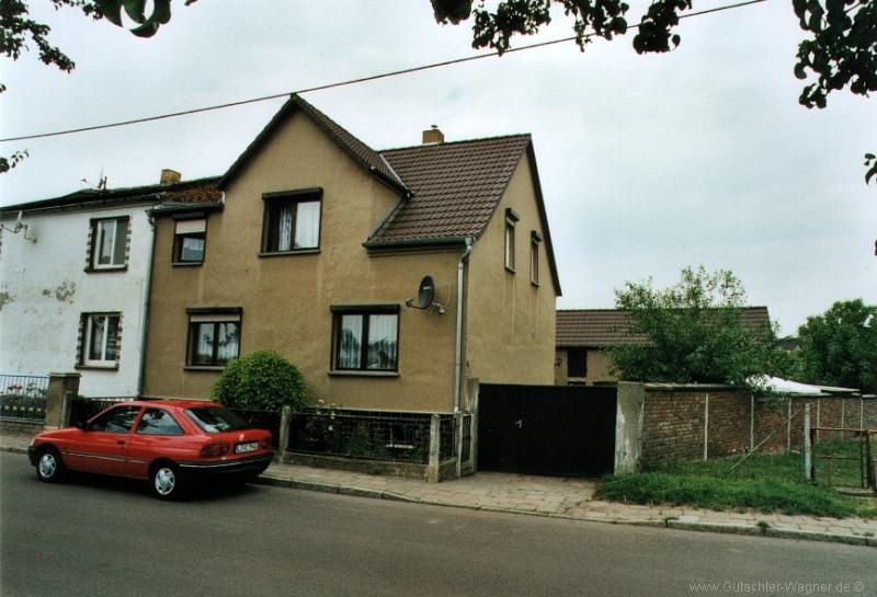 Bewertung Wohnhaus mit Nebengelass