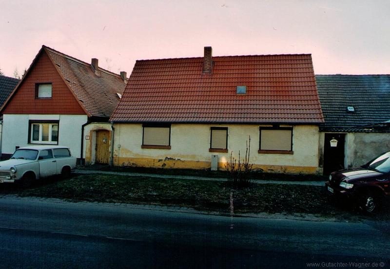 Wohnhaus auf ungetrennten Hofräumen